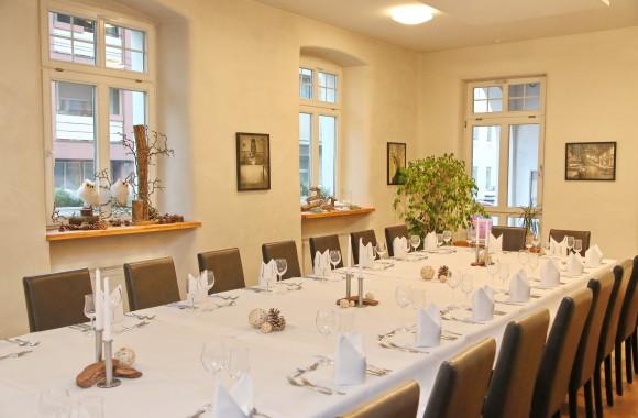 Festliche Anlässe feiern in der Vinothek des Badischen Hof in Mannheim-Seckenheim